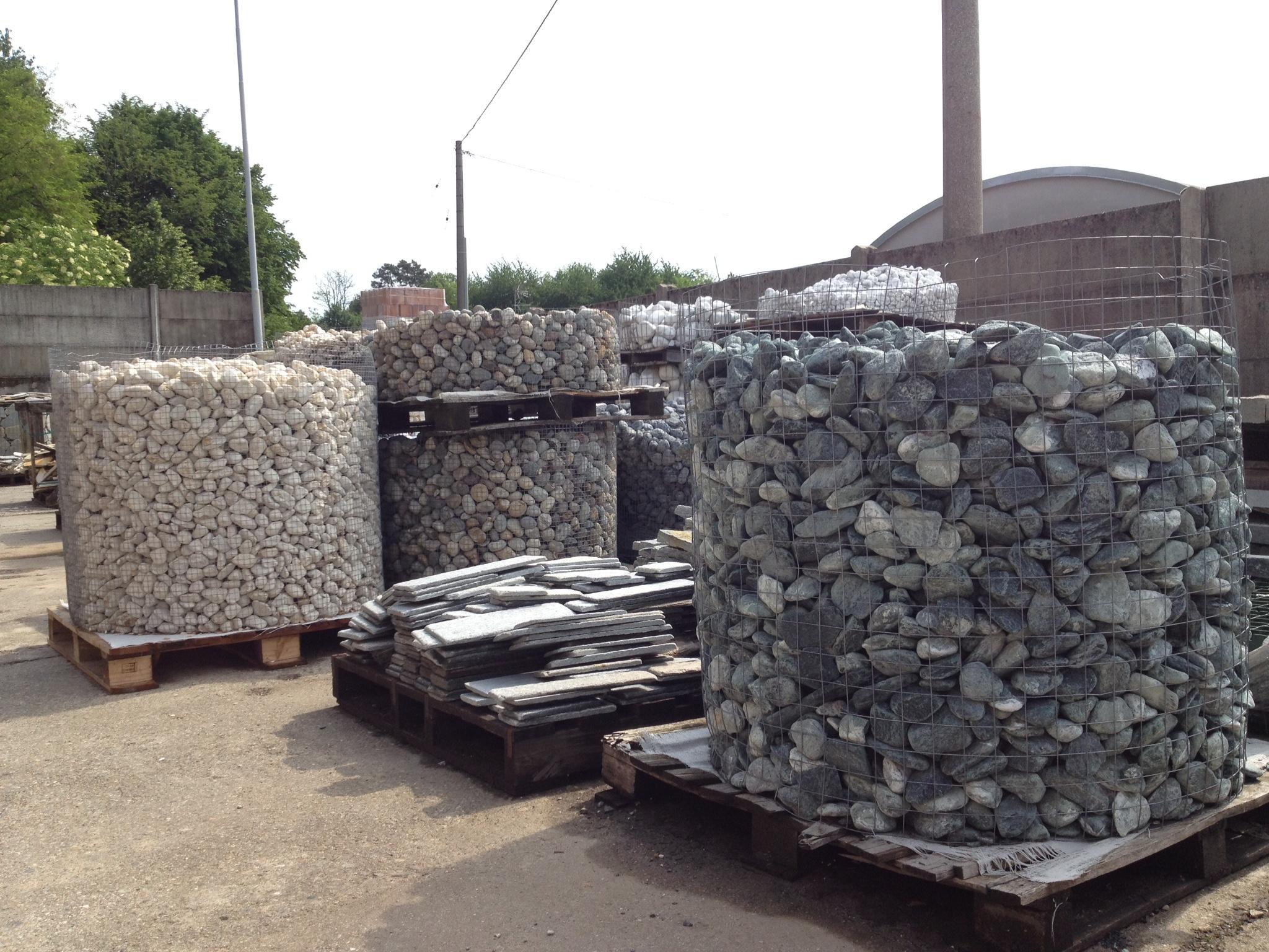 Pirolo siro c pietre per rivestimenti varese